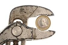 spanish euro in pliers