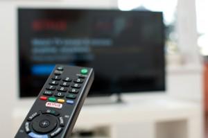 Netflix Looks to Break Higher Distancing Itself from Rivals